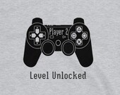 Gaming T Shirt for Men and Women, Player 2 Level Unlocked in Gray