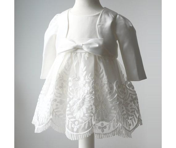 Taufkleid Blanc Avec Rose Broderie 3 pcs chapeau et chaussures taille 68