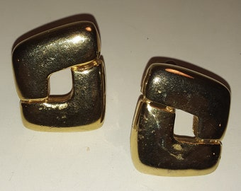 7c27c19e1 Vintage Signed Paolo Gucci Gold Plated Clip-On Earrings