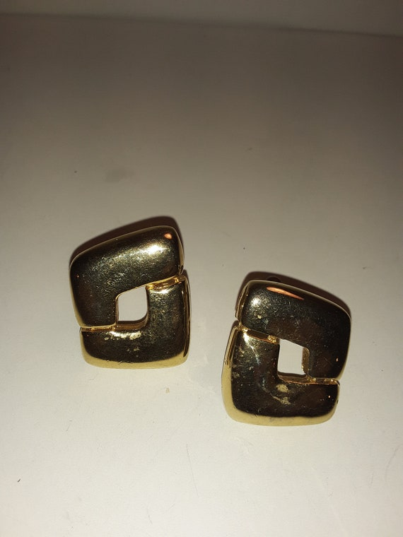 Vintage Signed Paolo Gucci Gold Plated Clip-On Ear