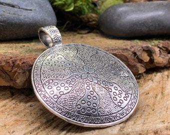 Metal Flower Boho Medalion Pendant