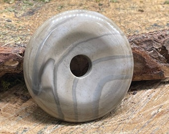 Striped Flint Stone 40mm Donut F108