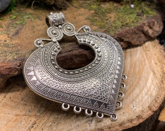 Metal Boho Large Medalion Pendant