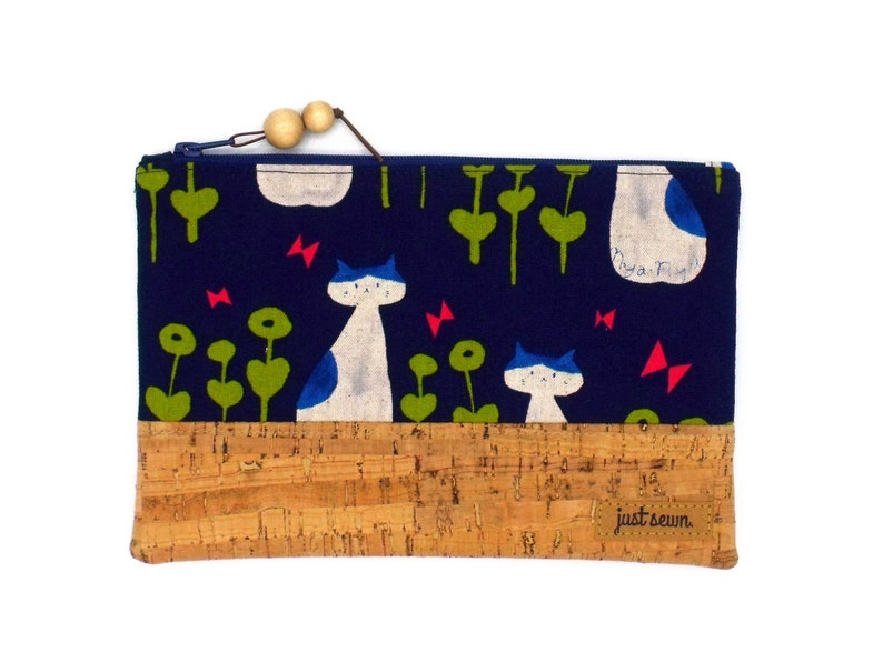 Feather folder/cosmetic bag Cats with cork image 0