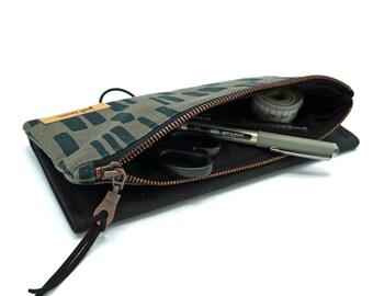 "Tool Pouch | Needle bag ""pattern"" | Oilskin | grey"