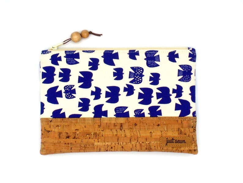 Feather folder/cosmetic pomede Birds with cork  image 0