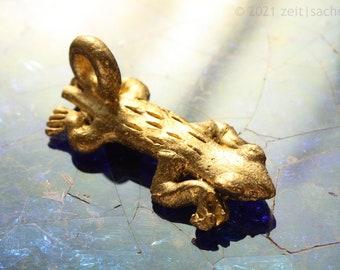 Pendant African Lizard Symbol of Femininity Tribal Art Lizard Yellow Castile Reptiles Africa Ethnoquette Akan Gold Weight from Ghana