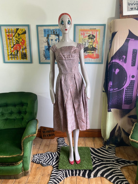 1950s Vintage Dress in light pink brocade fabric