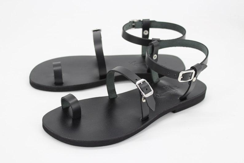 DREBRE Toe Ring ankle strap leather sandals