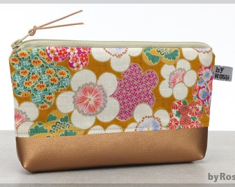 Make-up bag with floral pattern made of Japanese fabric and copper-colored imitation leather, beautiful and unusual