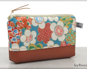 Make-up bag with floral pattern in Japanese fabric and brown faux leather, beautiful gift for girlfriend