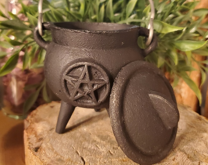 Cast Iron Cauldron w/Pentacle