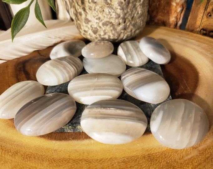 Banded Agate Worry Stone (1 Stone)
