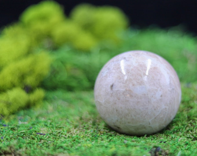Cream Moonstone Sphere C457