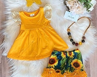 fdb11a6732d0 Sunflower outfit   Etsy