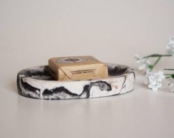 Concrete soap dish, marble, jesmonite, modern concrete tray, cement soap dish with drain, bathroom tray, modern bathroom