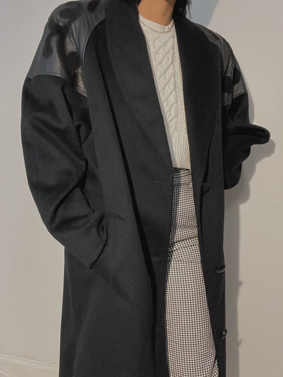 Vintage 80s Western Black Wool Blend Coat with Leather Shoulders | Minimalist style | The Perfect Coat