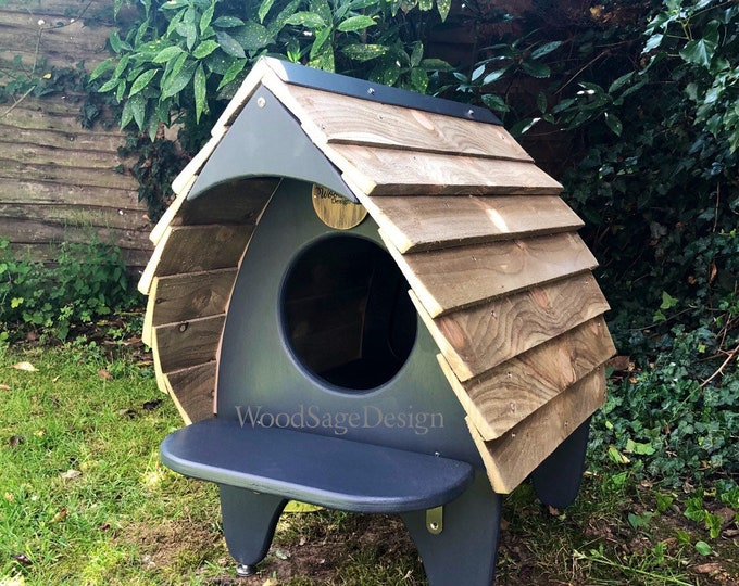 Featured listing image: Cat Chalet, Cat Furniture, Outdoor Cat