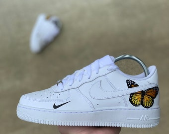 brand new 614ee dfd3f Custom Air Force 1    Butterfly Air Force 1