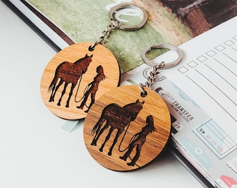 Christmas Gifts for Horse Lovers, Laser Engraved Wood Keychain with Horse, Horse Gifts for Women, Horse Riding Gifts, Keychain with Message