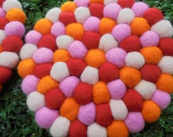 Pot coasters felt balls coasters ca20cm pink red orange