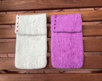 felted SMARTPHONE phone case ca 16.5 x 9 cm white or viola