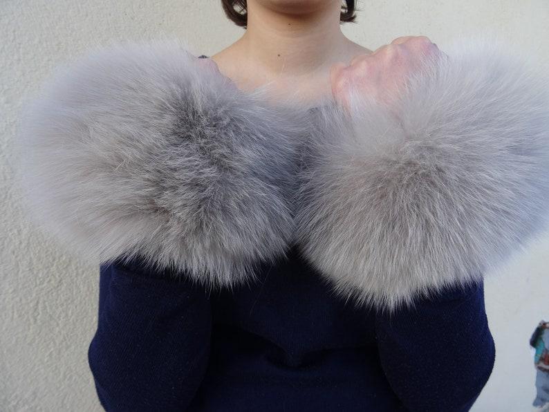 Real fox fur cuffs.ivory beige fox fur cuffs