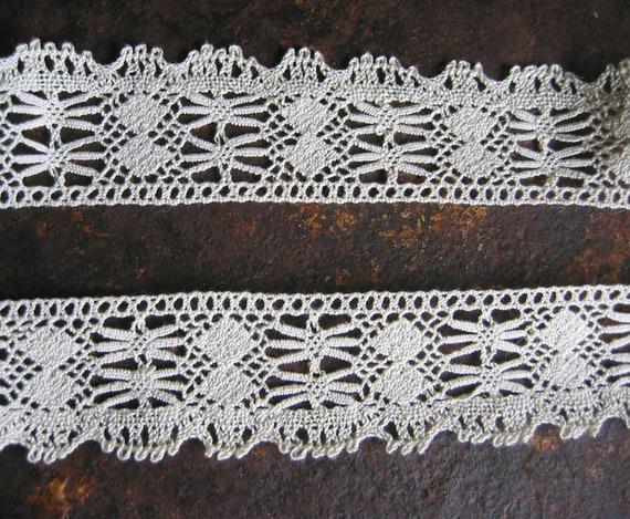 Art Nouveau lace border cotton couturier bow edge wedding dress doll dress christenress France ~ 1900 tailoring costume designer