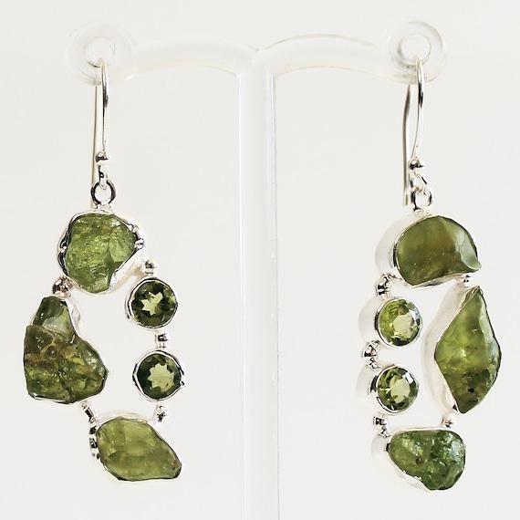 "Natural Green PERIDOT 3 Gemstone 925 Solid Silver Art Dangle Earrings 1.5/"" NEW"