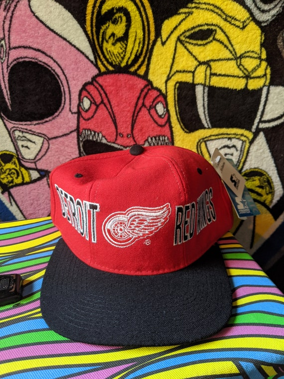 NWT Vintage 90s STARTER NHL Detroit Red Wings red