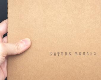 """Carnet de notes carré (14*14 cm) avec couverture kraft - Cadeau pour auteurs et passionnés d'écriture - """"Futurs romans"""""""