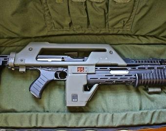 Aliens M41-A Pulse Rifle Replica HERO Model 1/1  LEDS custom Hand Made !