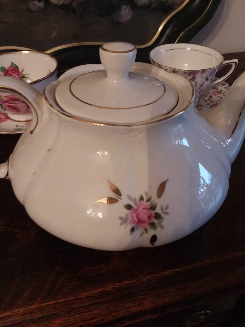 pink teapot,pink roses teapot,Pink roses wedding,wedding tea pot Ellgreave Teapot,roses teapot