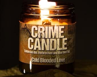 "Original CRIME CANDLE ""Cold Blooded Love"" – Rätselkerze mit Duft"