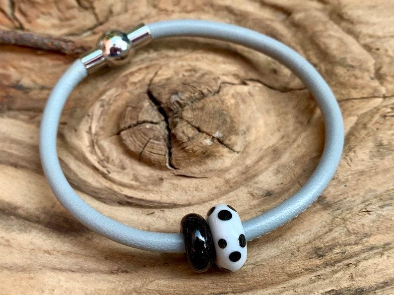 Leather bracelet Dotty with handmade glass beads image 0