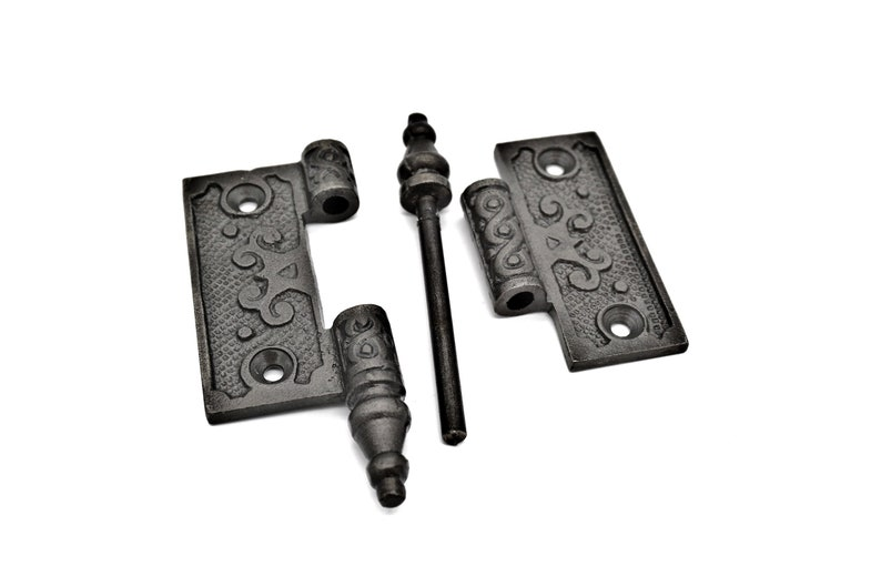 Pair of Victorian cast iron 2 1//2 inch hinges suitble for cupboard doors