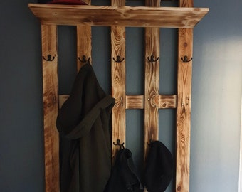 Wardrobe with hat rack made of pallets !