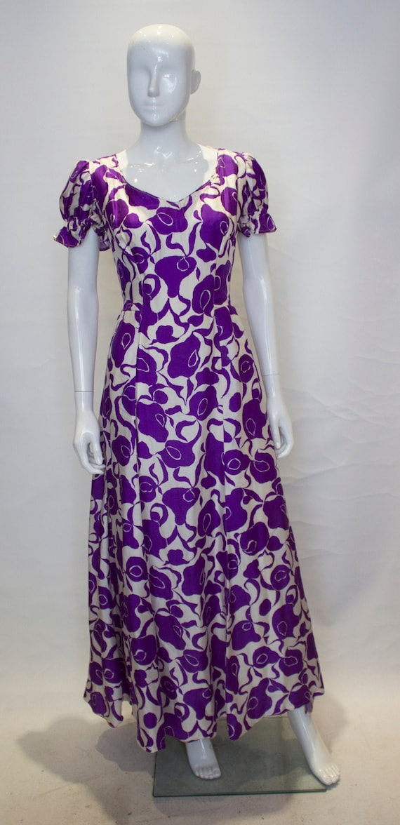 A Vintage 1940s - 1950s Purple and White Silk Gown
