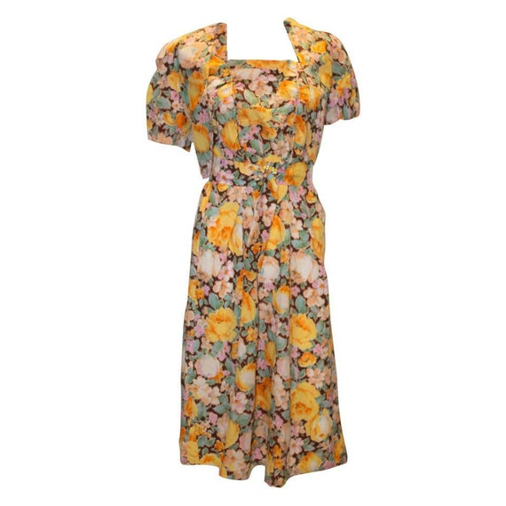 A Vintage 1940s floral printed summer Dress and Bo