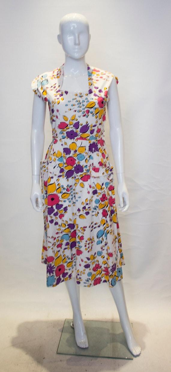 A Pretty Vintage 1940s - 1950s Cotton Summer Dress