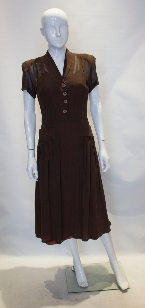 A Vintage Brown 1940s autumnal day Dress