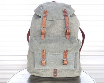 0ddcb87d9 1957 Vintage Swiss Army Backpack Citybag Salt and Pepper Swiss Leather  Canvas Messenger Rucksack Schweizer Armee Suisse Sac a Dos Leinen Lin