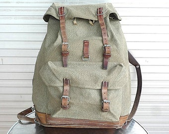 ad1e56fcef 1965 Vintage Swiss Army Backpack Citybag Salt and Pepper Swiss Leather  Canvas Leder Rucksack Schweizer Armee Suisse Sac a Dos Lin Leinen