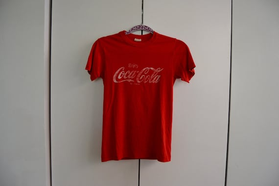 Vintage 1970s Soft Red Coca-Cola Graphic T-shirt
