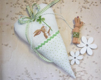 Decorative heart *Easter bunny with lucky clover* in cross stitch*fabric heart*Easter decoration*Dahlbeck*Fabric heart*Spring*Easter*Cross stitch heart
