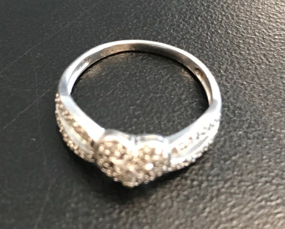 Women's Fashion Ring 10kt White Gold