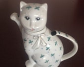 Vintage Cat Teapot, Hand Painted Porcelain Teapot, Cat Lover Gift, Lucky Cat, Made in China