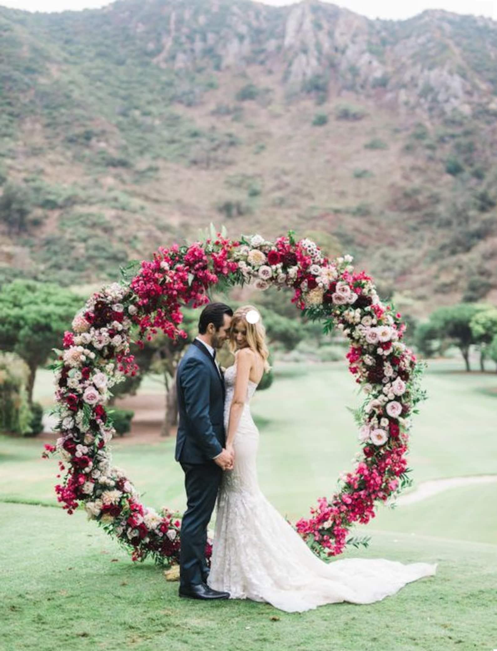 Hochzeitsbogen rund Gerüst