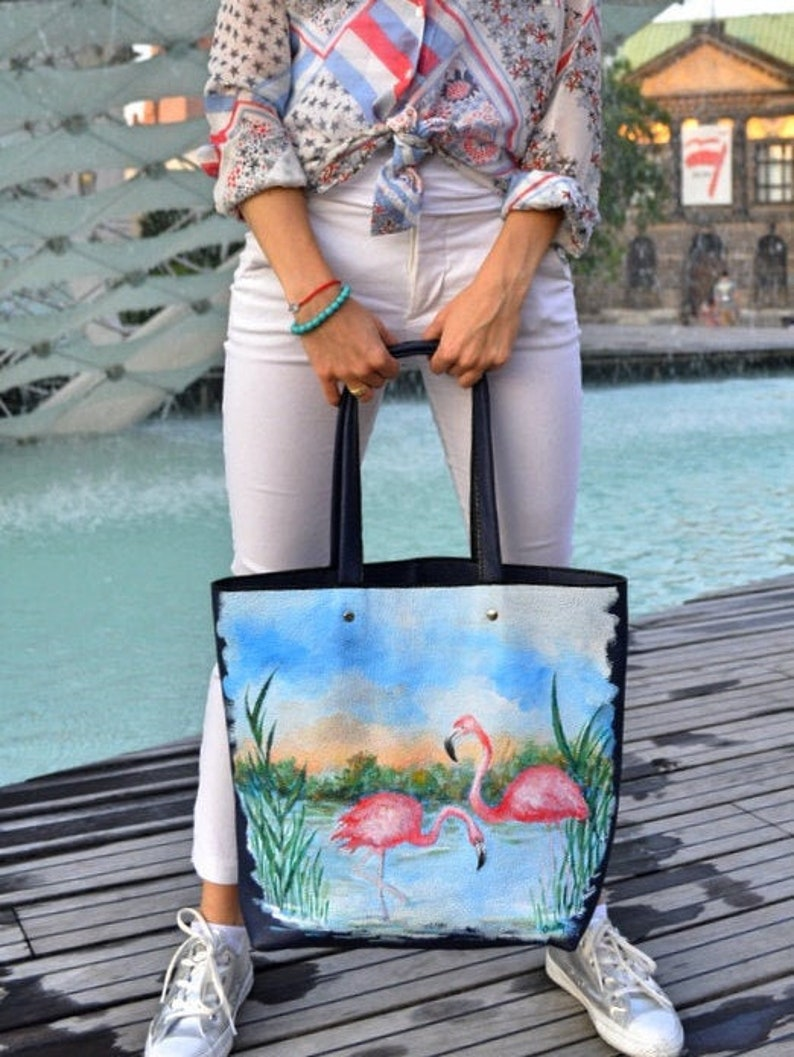 Hand-painted italian leather bag with flamingos hand-painted image 0