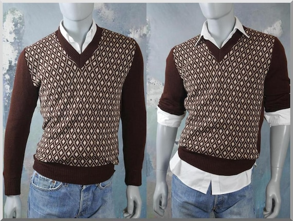 e9d154d7997e 1970s V-Neck Sweater European Vintage Brown Retro Pullover